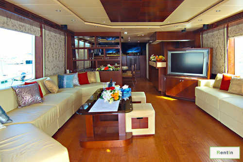 RENT MAJESTY 88FT EMERLAND IN DUBAI