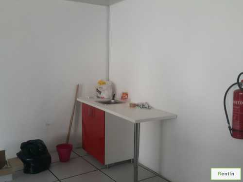 fully fitted office for rent only 95k