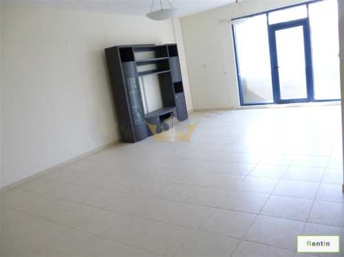Spacious 2 bedroom at Al Mina Road for rent