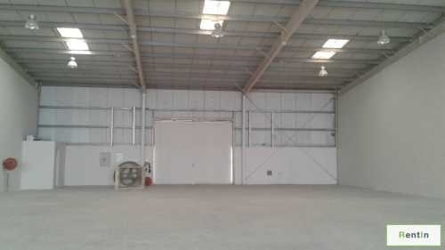 Multiple Shops, and warehouse for rent
