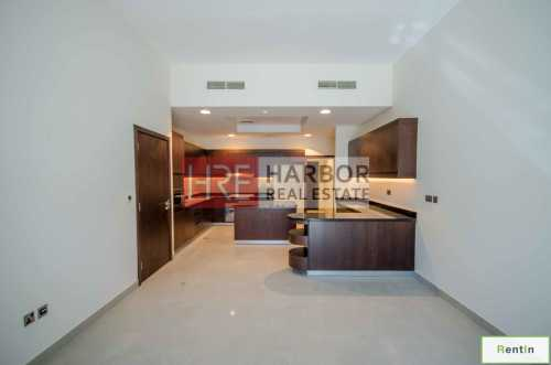1 Month Rent Free! Casa Familia Townhouse Villa