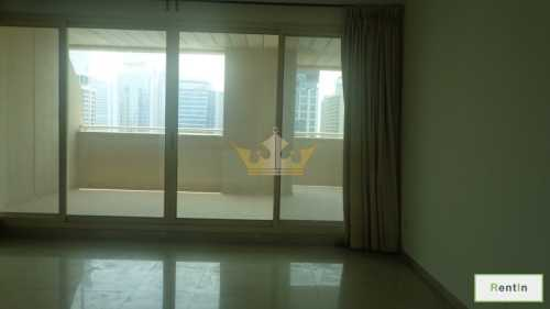 Spacious 1BR with huge balcony and chiller free for 6 cheques