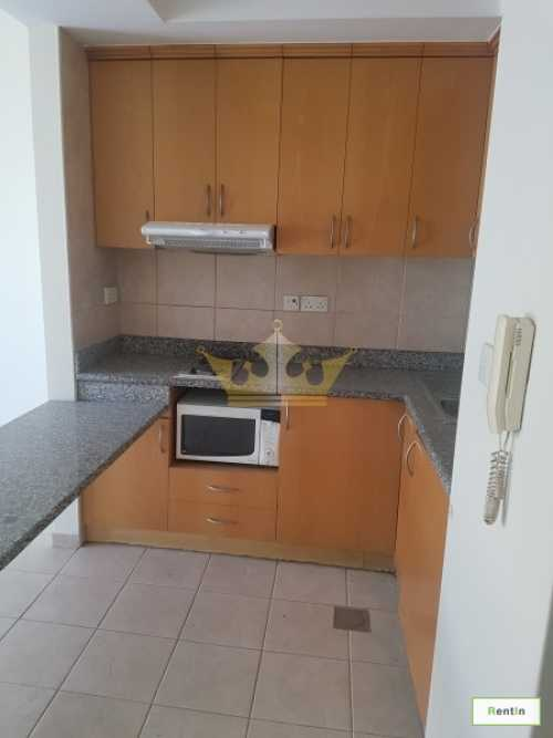 Studio in Prime Location, Oud Metha, Free AC Charges