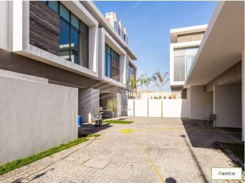 Luxury Villas in the most Prestigious in Barsha 1