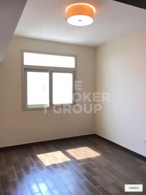 Large 2 Bed with Maids Apt , Pool View