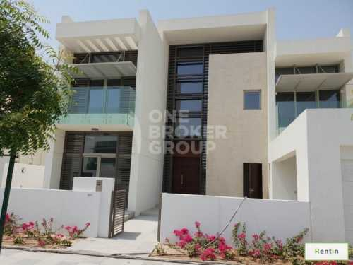 4 Bedroom VILLA with Private  Pool, Driver & Maid