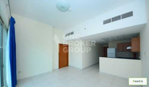 Close to metro, good size unf 1br at 70k