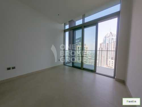 Visually stunning 4 Bed Apt w/ Wide Balcony