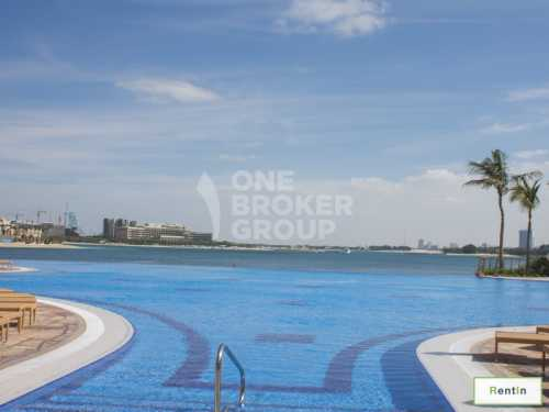 Large 2 Bedroom Apartment with Sea View