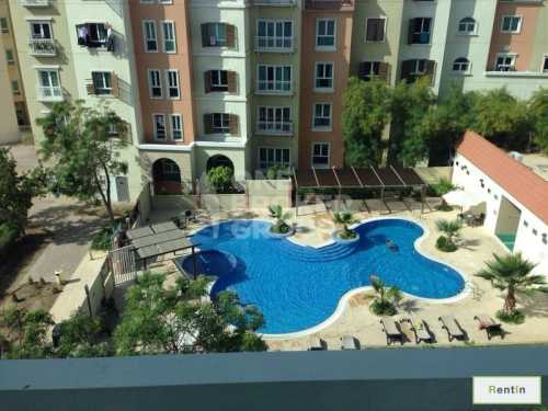 Large and Furnished Studio Apt,Pool View