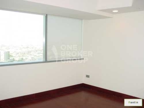Spacious 2 Bedroom Simplex at World Res.