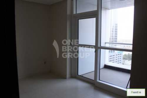 Vacant 3 Bedroom Apt w/ Partial Sea View
