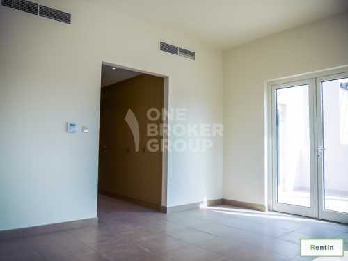 BRIGHT,MODERN,SPACIOUS 3+M,Near the Pool