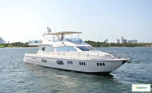 90 FT yacht rental in Dubai Marina