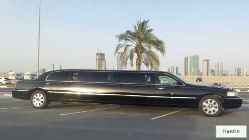 Lincoln Town Car Limo for rent Dubai