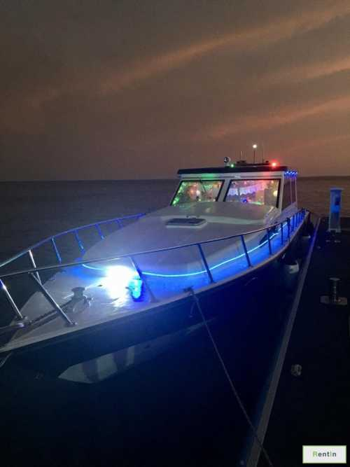 Rent boat for fishing in Abu Dhabi - 35 ft